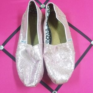 GUC pink Sparkly Tom's slip on shoes